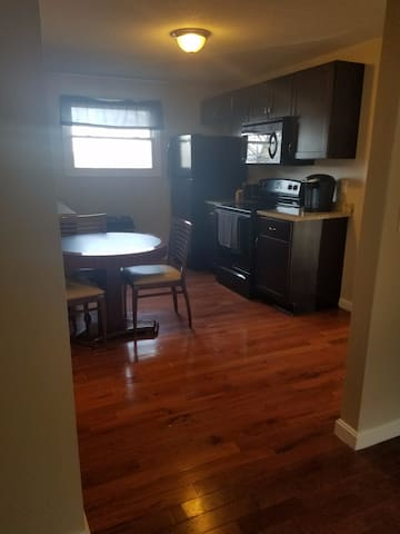 2 Bedroom Apt! Family, Friends! Sleeps 6! 28-3 - Fall River - Apartamento