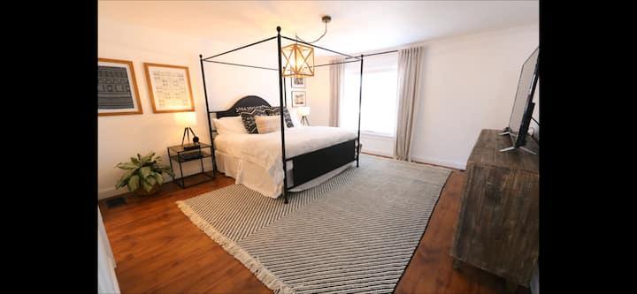Strigo Farmhouse Suite 1