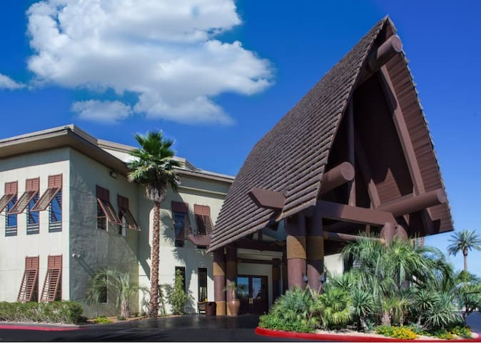 Tahiti Resort on Tropicana Studio