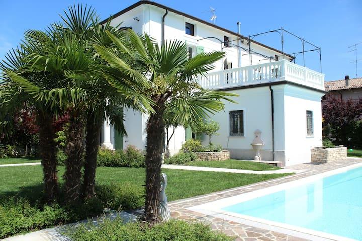 villa con piscina(piano terra) - Camalavicina - 公寓