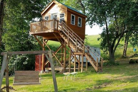 Tree House,Off-The-Grid,FirePit,Serene,Zen,Clean