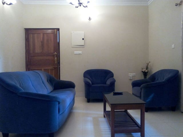 Ourgoaholidays first floor apartment in Candolim - Candolim - Appartement