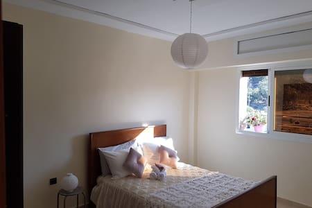 Appartement neuf et calme entre mer et montagne