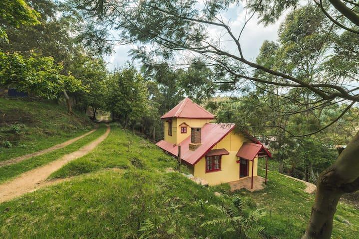 Whispering Waters - Mountain Farm Loft Cottage