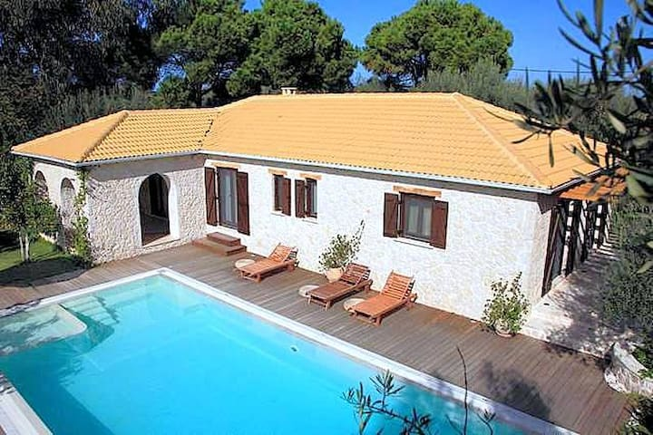 Luxurius, secluded, walk to beach, watersports - Lefkada - Villa