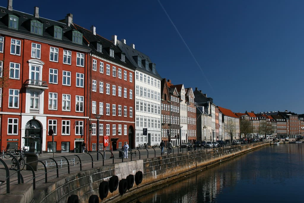 Apartment is by the Canal next to the Christianborg Castle.  Most of the main Copenhagen attractions are within walking distance from the apartment.