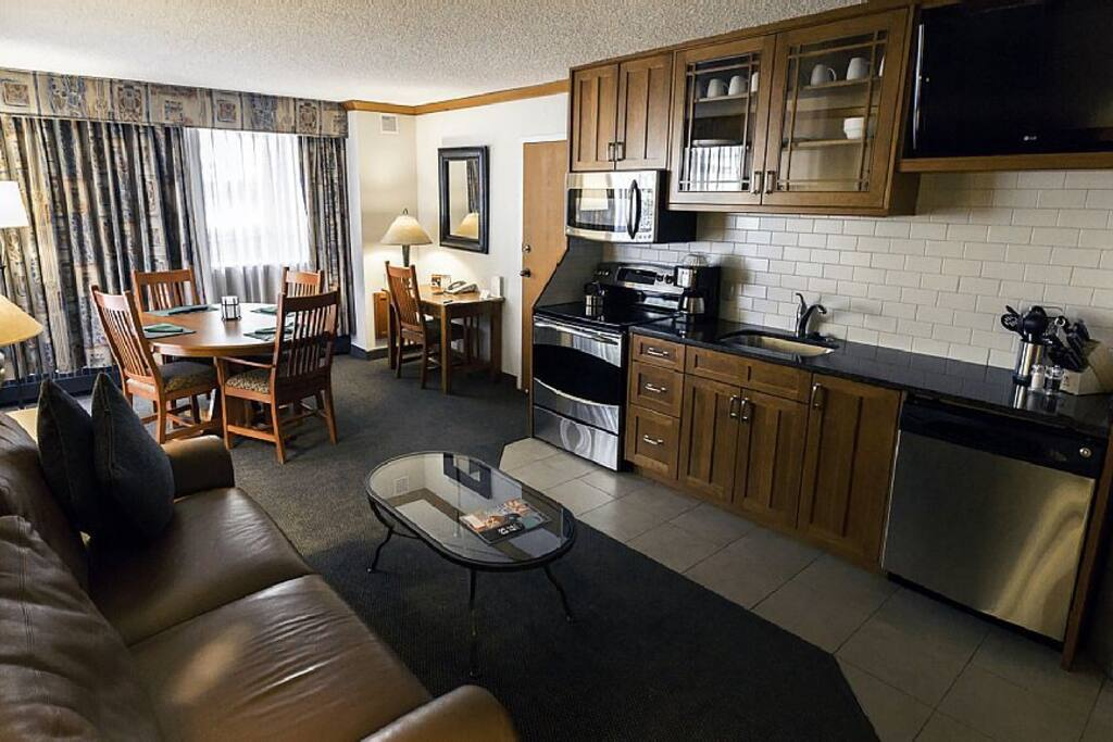 Spacious Kitchen & Dining Room with Pullout Queen Bed