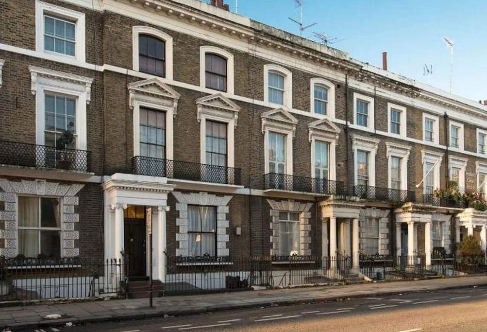 Kensington Olympia Three Bedroom Apartment Apartments For Rent In London Greater London
