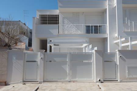 Villa Daria Apartments Primo piano - Campomarino - Rumah