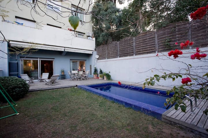 APARTMENT WITH PRIVATE GARDEN AND SWIMING POOL