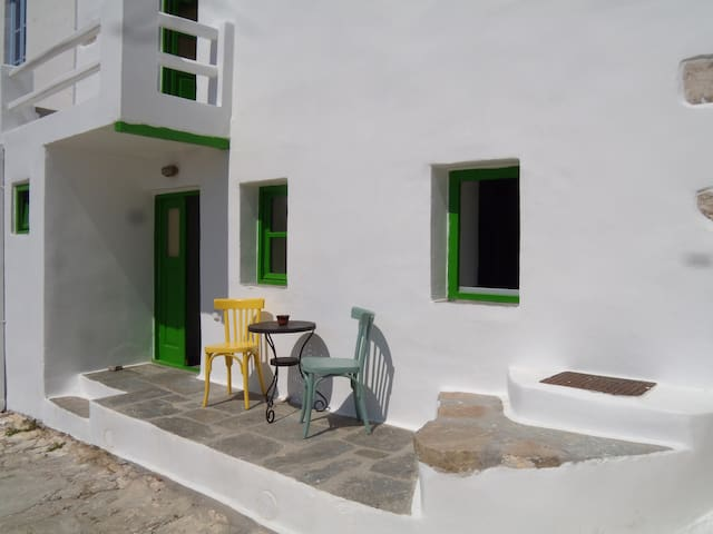 Serifos traditional house with cistern - Serifos - Ev