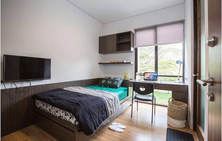 Clean and Cozy Apartment in the middle of Karawaci