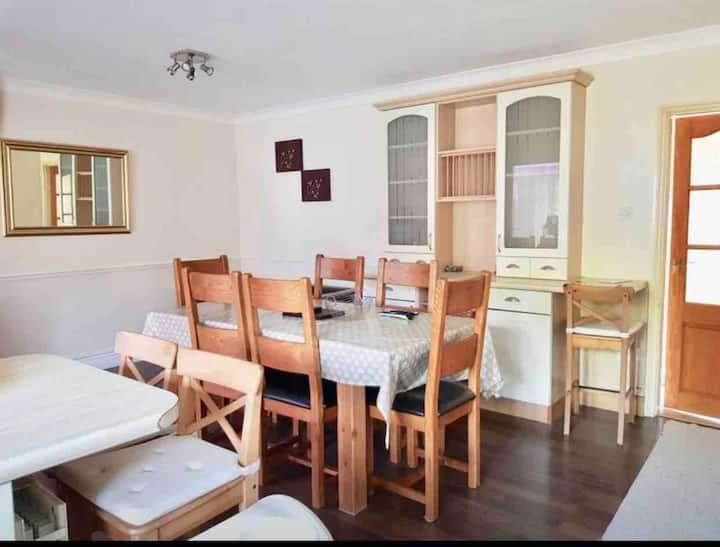 Cosy small Room near Hospital and Tesco Extra