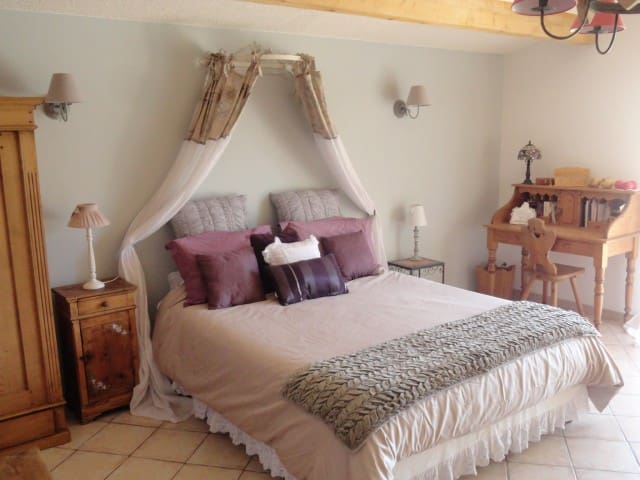 Très belle chambre avec vue et terasse privée. - Vimines