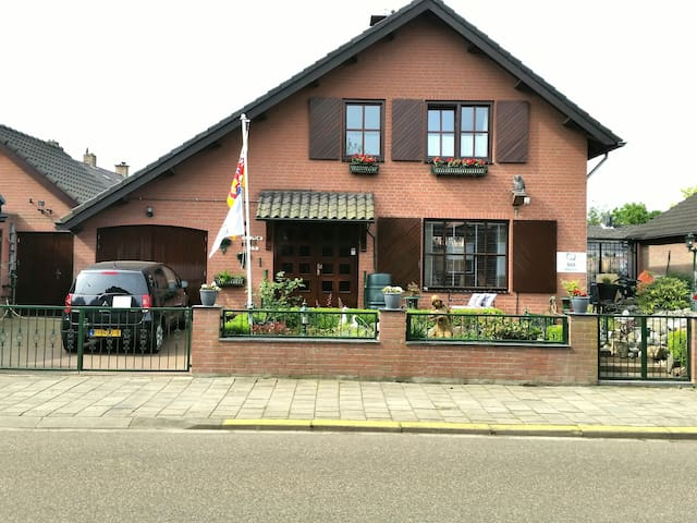 Erbuca Bed and Breakfast Nieuwstadt - Nieuwstadt - Penzion (B&B)