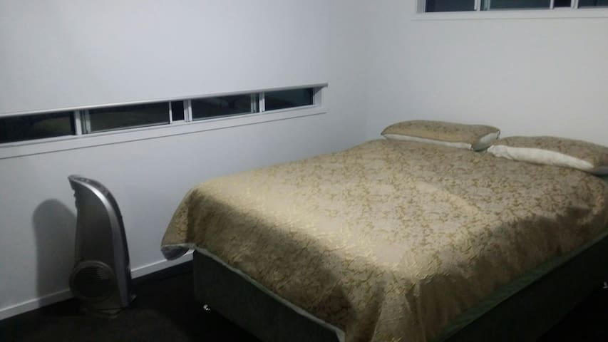 Nice and comfortable - Durack, Queensland, AU - Apartament