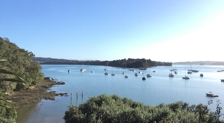 Fabulous Waterfront Getaway