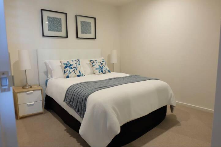 Canberra CBD luxury double room