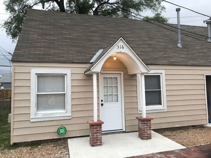 Cozy Duplex near Downtown Wichita KS