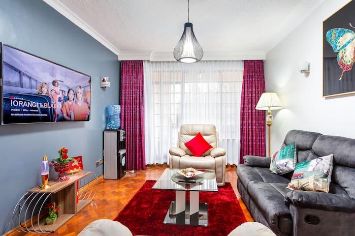 Jabali's kingsize bed, Self check-in for travelers
