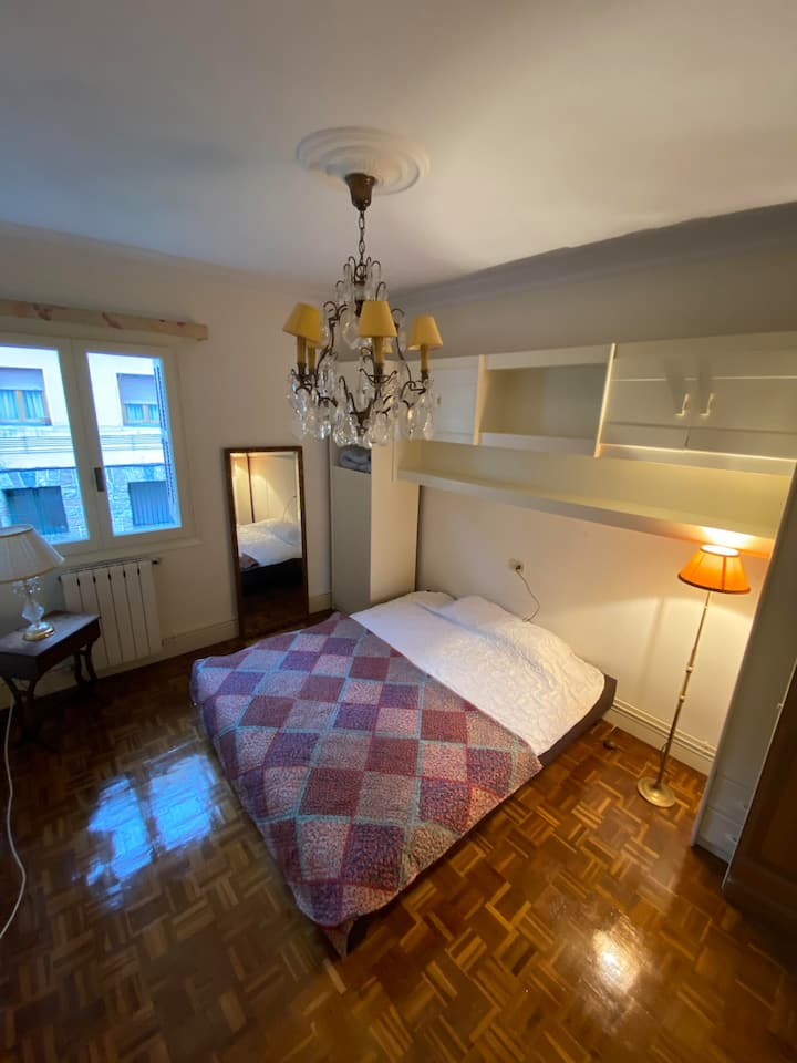 Sweet room well located close to local supermarket