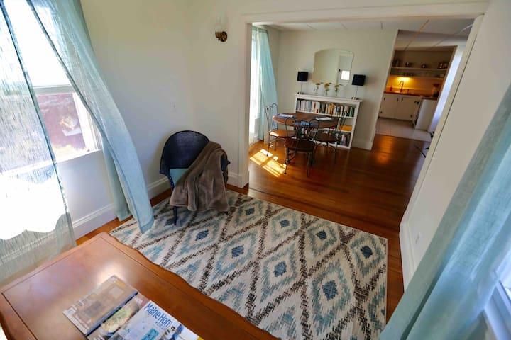 Spacious, private apartment near Willard Beach!
