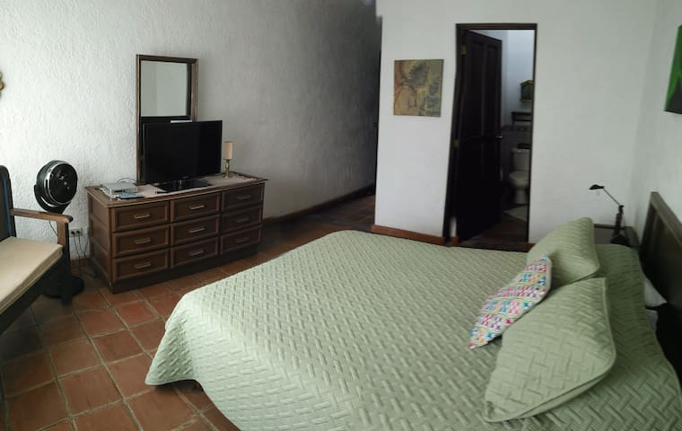 Casa Santa Clara - Room #R2 w/Private Bathroom