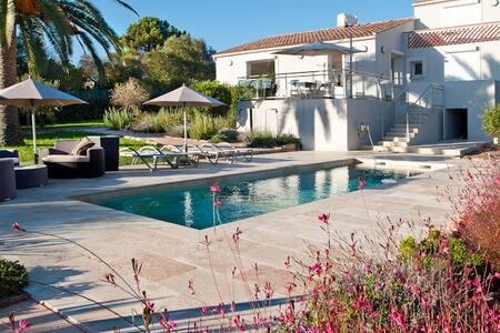 Villa contemporaine bord de mer - Pietrosella