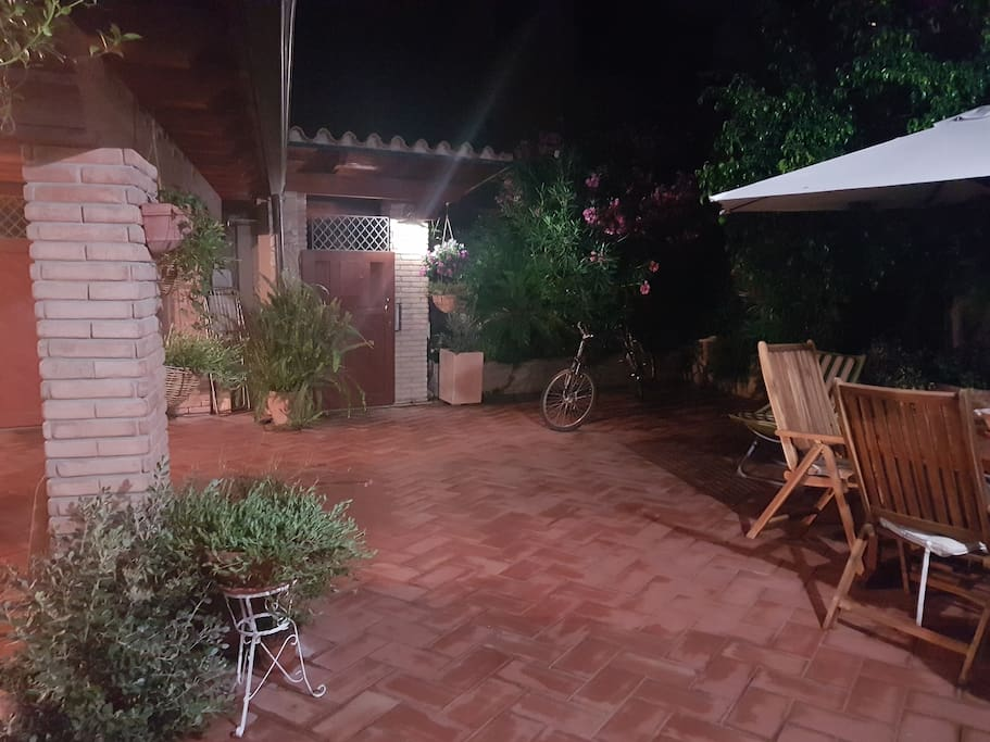 Giardino (vista notturna)