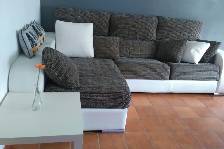 Chalet Las Jaras Con Jard N Y Piscina Comunitaria Adosados En  # Muebles Directo Cee