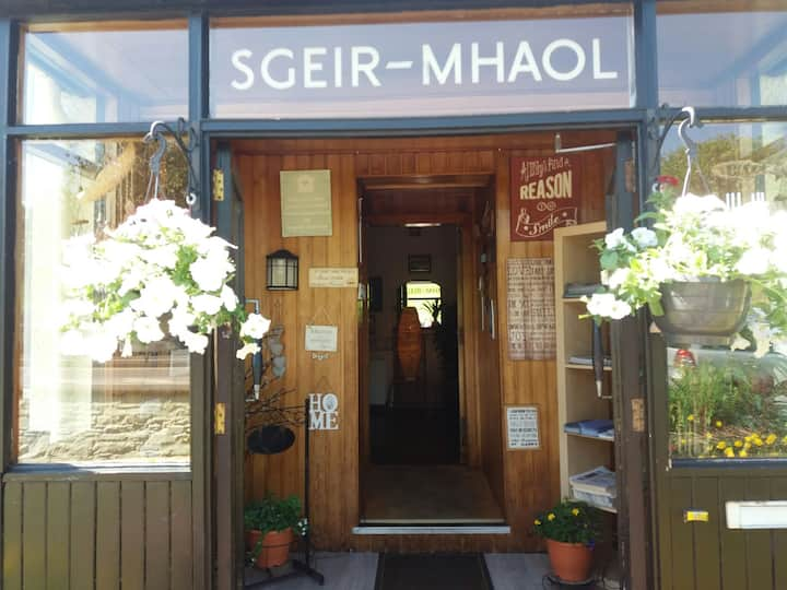 SGEIR MHAOL ROOM 4,DOUBLE,ENSUITE,ROOM ONLY