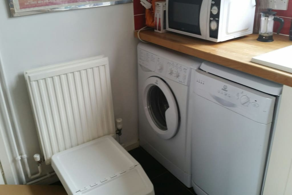 kitchen - washing machine and dish washer