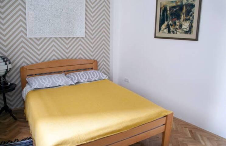 Cozy apartment /offers full Privacy - Prishtinë
