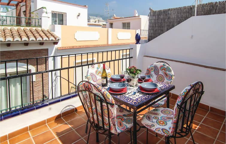 Terraced house with 2 bedrooms on 66m² in Nerja
