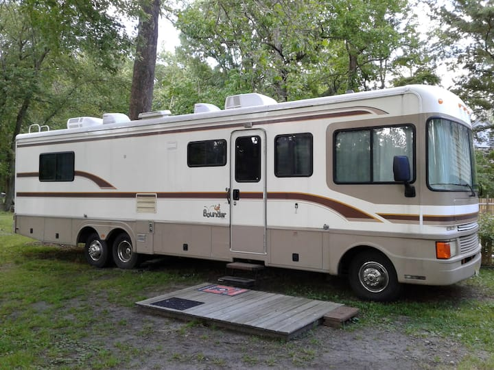 Comfy Cozy & Clean Motorhome in Mount Laurel NJ