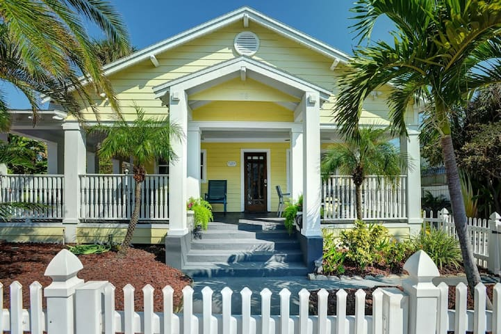 Key West Style House Wrap-Around Porch Gulf Views!