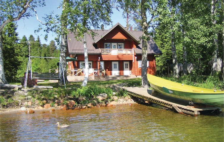 Holiday cottage with 5 bedrooms on 170 m² in Vääksy