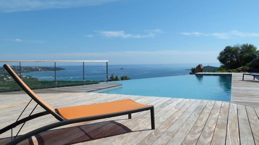 Vue panoramique sur la baie de Pinarello - Zonza - Casa de camp