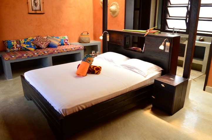 chambre, queen size bed