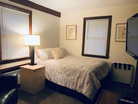 studio w/separate entrance near NYC