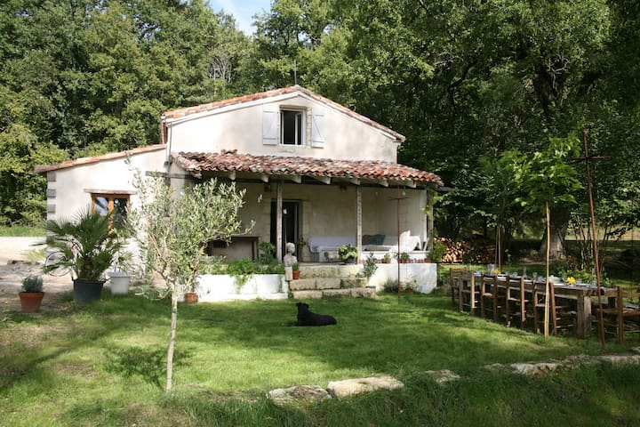 La Milou - luxurious hideaway holiday home for 6 - Saint-Antoine-Cumond - Casa