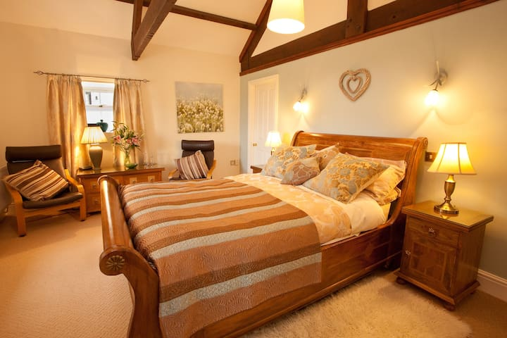 The Mill Stream, Tosson Tower - Great Tosson - Bed & Breakfast