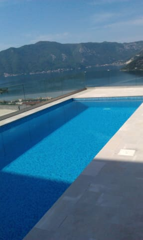 Flat&POOL&stunning view! - Risan - Apartment