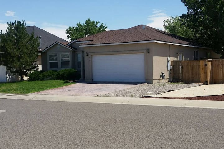 Family/kid/biz ready home @ Fernley golf course