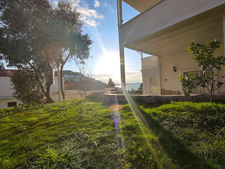 Müstakil Bahçeli İzole Denize Yakın Dubleks Villa