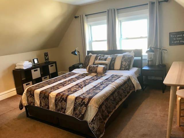 3L - Travel Nurses - Clean, Quiet Convenient Room!