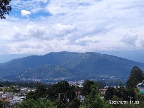 Casa acogedora cerca a Quito con mucha naturaleza