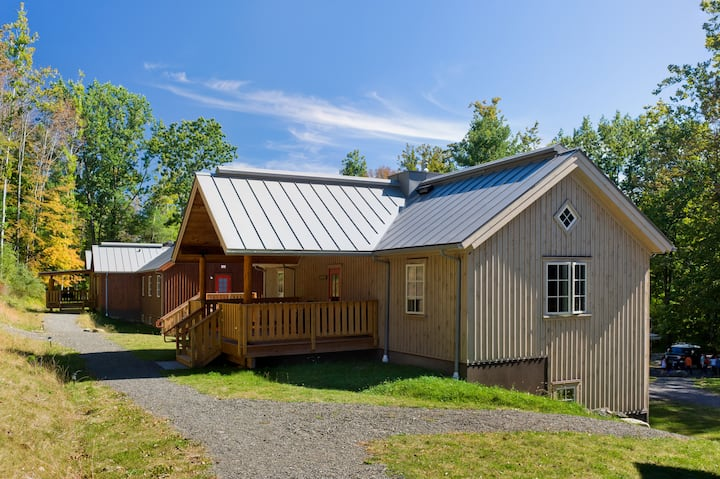 Sycamore Lodge w/ Porch - includes all meals, onsite nature trails & more