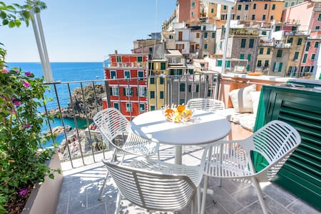 The First - Luxury Apartment Penthouse Riomaggiore