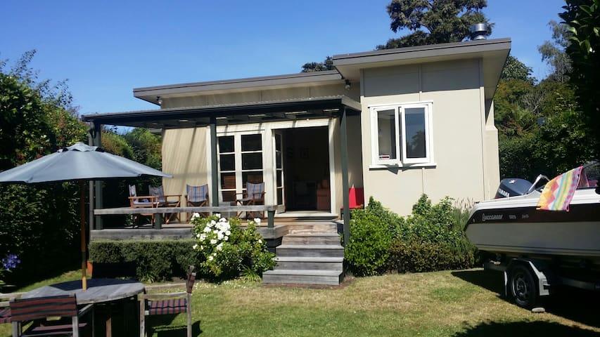 Kiwi Bach - Hatepe - House